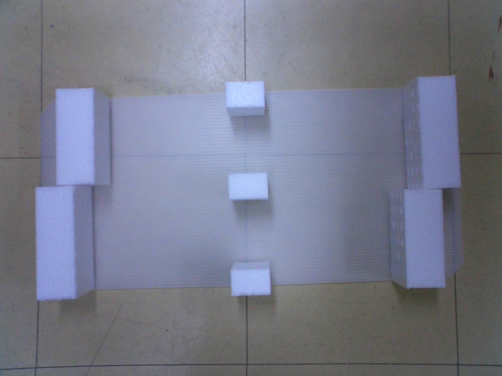 「TPコンテナ内で使用する内装材」の画像
