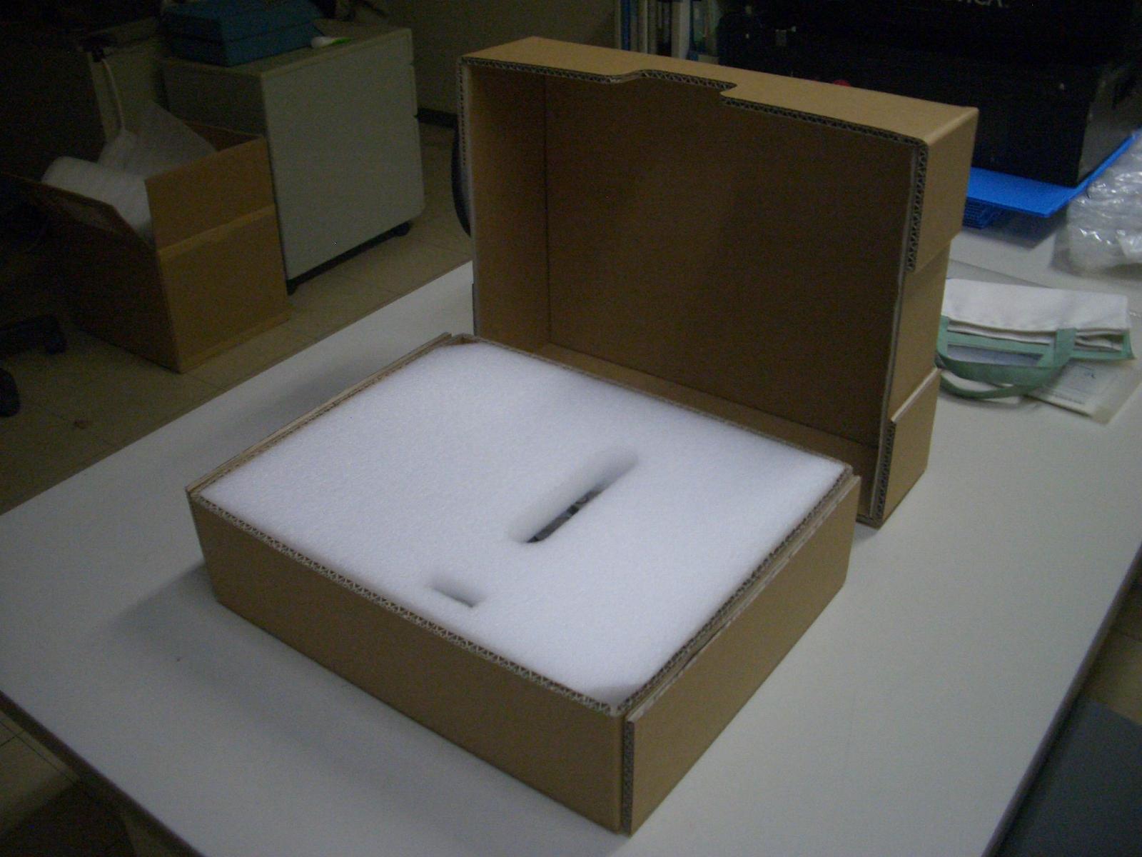 「複雑形状の工業製品もお任せ! エアークランプ用輸送梱包材」の画像