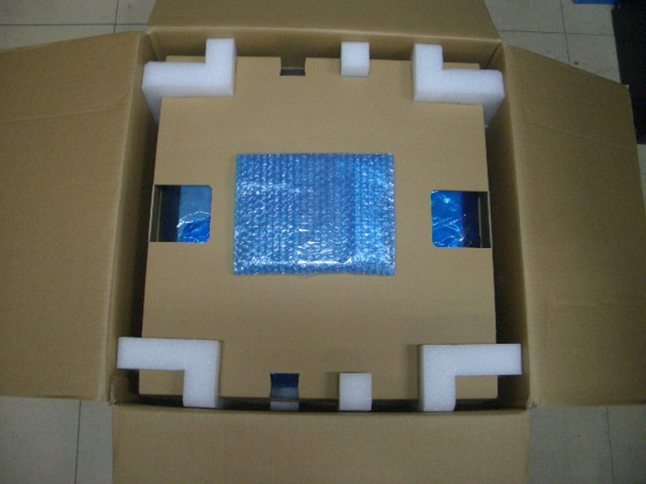「精密機器発送箱」の画像