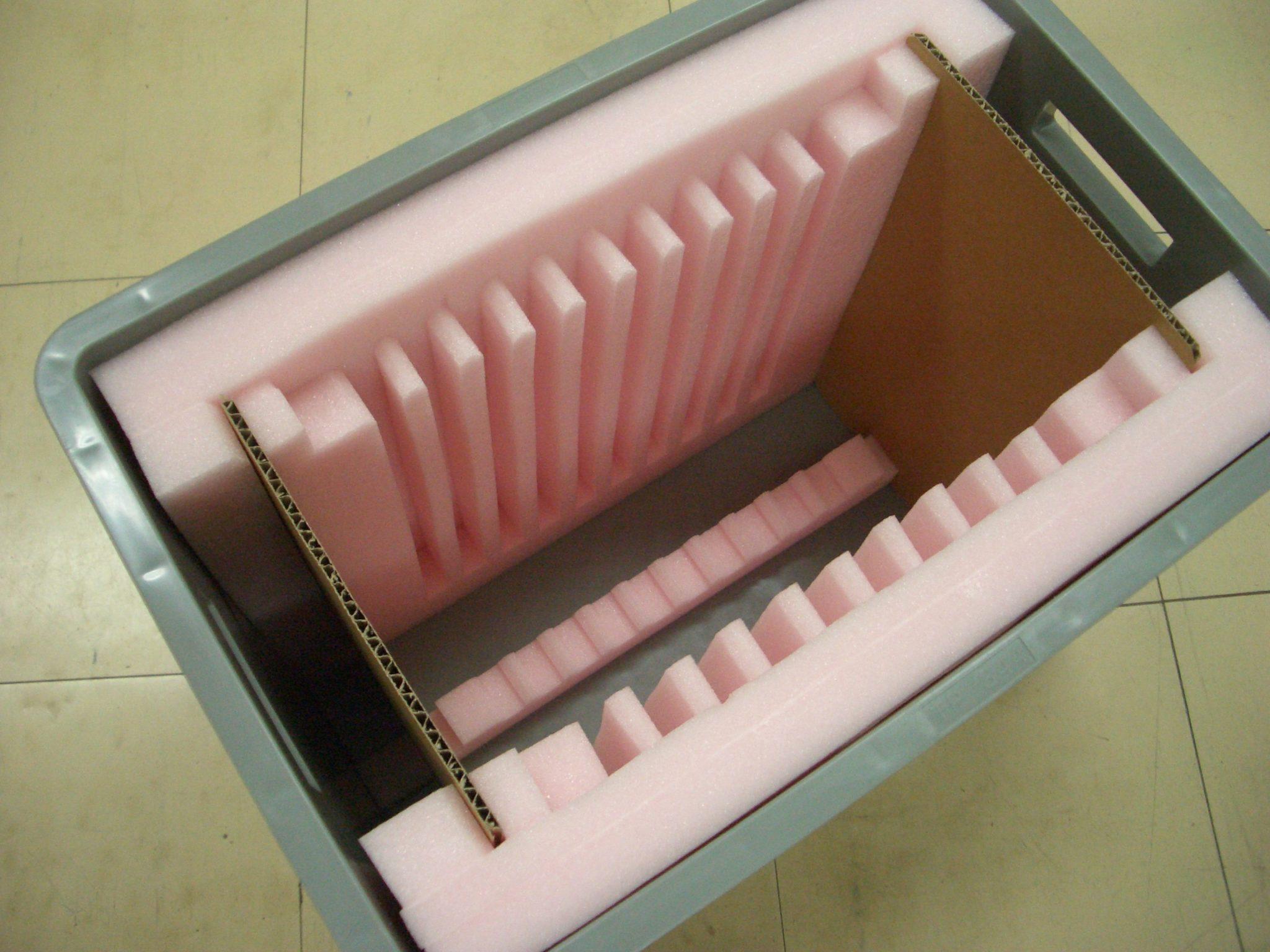 「液晶モジュール通い箱」の画像