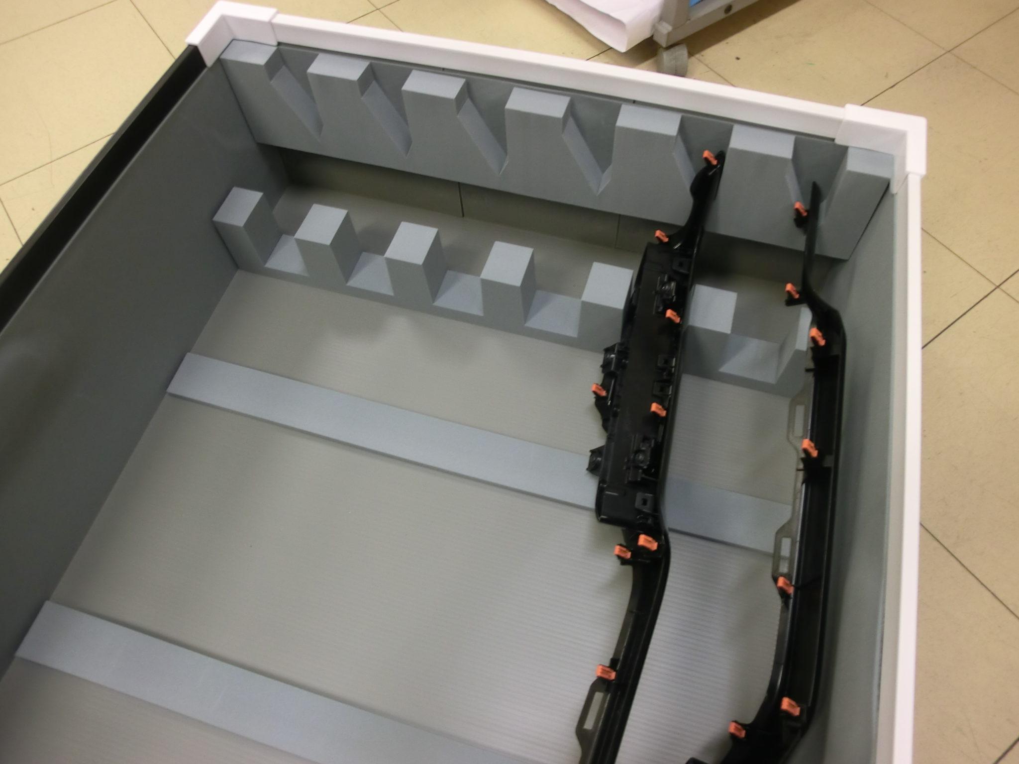 「工程間輸送もお任せ!自動車部品の通い箱 積載効率化提案事例」の画像