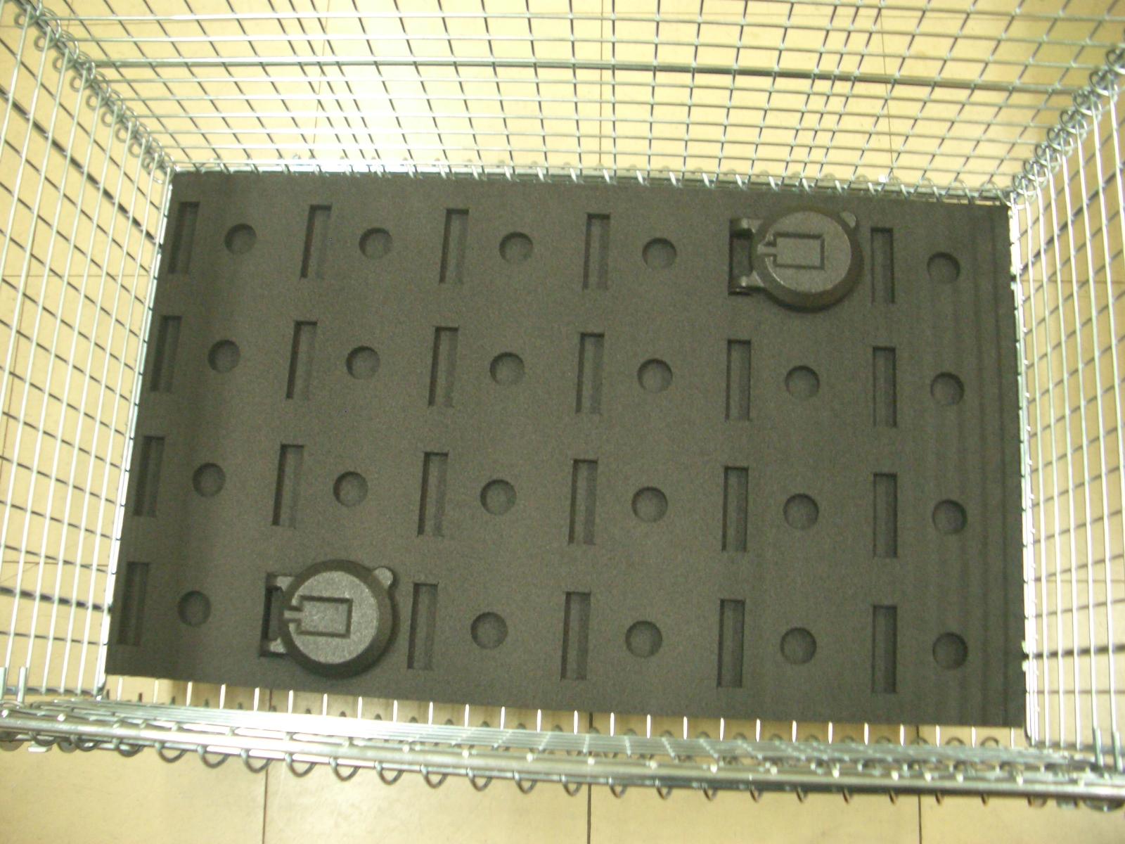 「積載効率3倍に改善!工業製品の通い箱 パッド改善」の画像